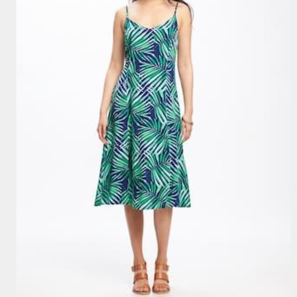 f0accd34aa1a Old Navy Fit and Flare Cami Midi Dress. Old Navy.  M 5bda3447aa571905d706cd06. M 5bda3504baebf6f5b7dfec65.  M 5bda351d951996593d306a15